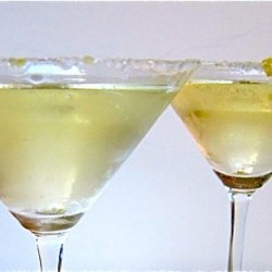 Sparkling ginger cocktail