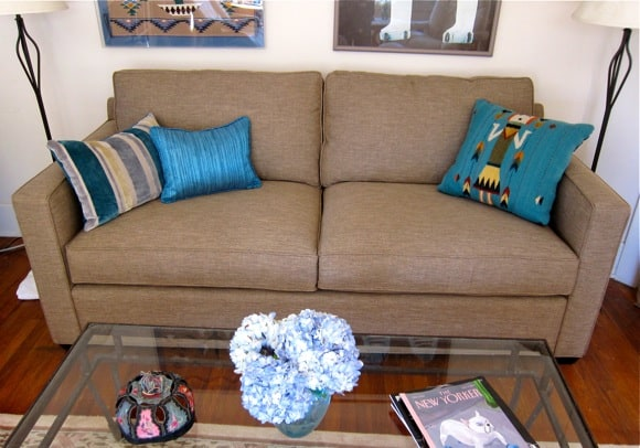 Mama's Sofa3